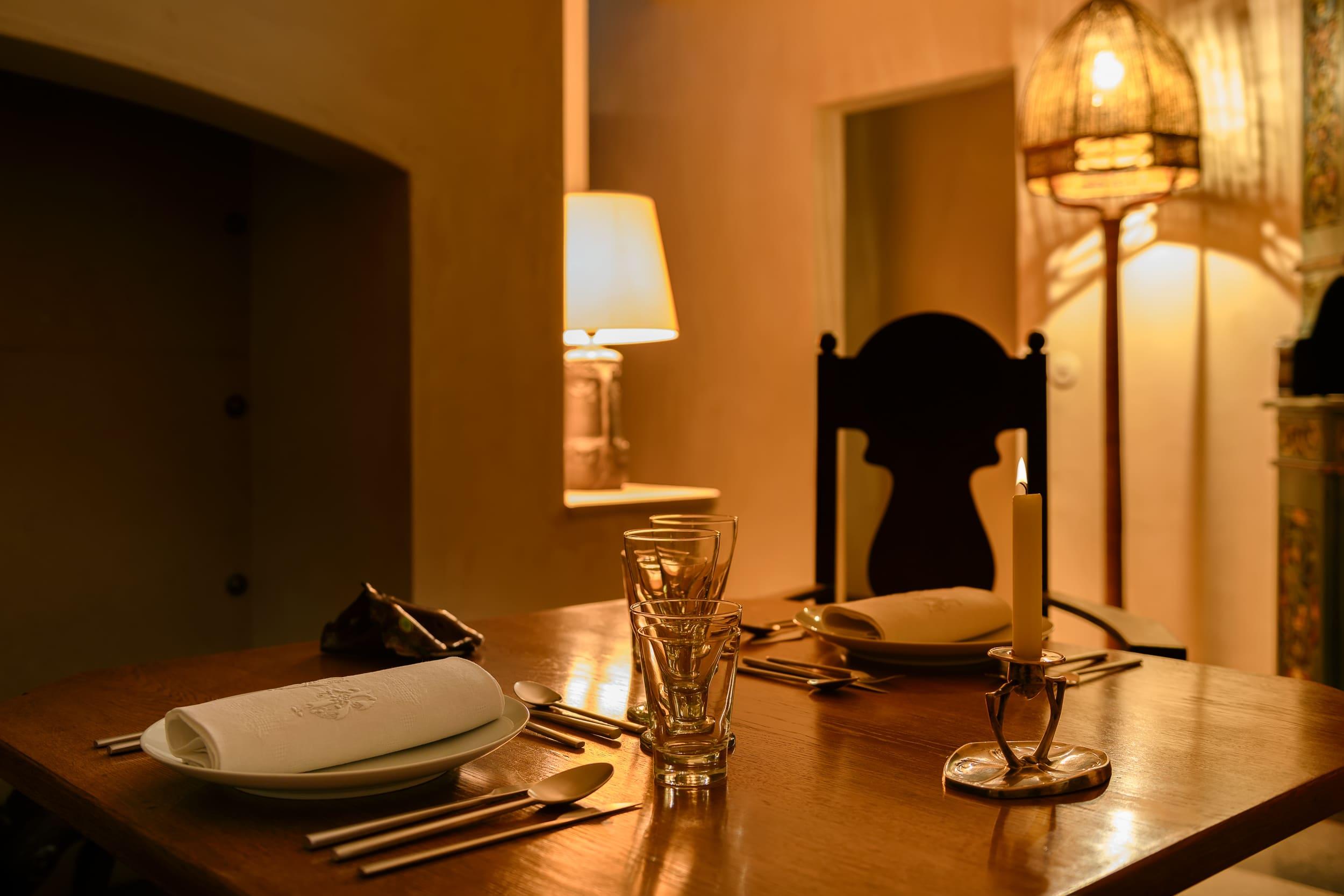 Dá Licença - Experiences - Vernacular Room - Table